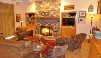 Bluff 10 at Whiteface Club & Resort- Living Room