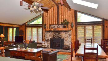 Sleepy Bear Lodge - Lake Placid, NY