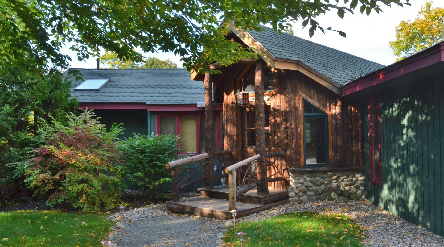 Sleepy Bear Lodge | Lake Placid Vacation Rentals