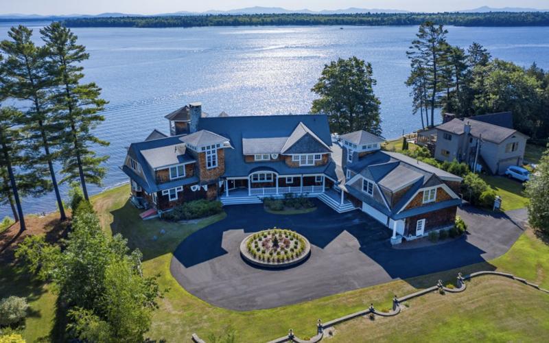 Beuatiful large estate on the shores of Lake Champlain
