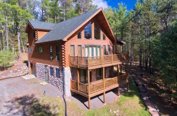Woodlands Katahdin Log Home - Jay, NY