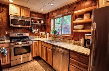 Cozy Village Cottage - Lake Placid, NY