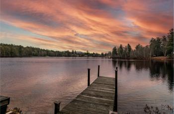 Oregon Pond Cottage - Onchiota, NY